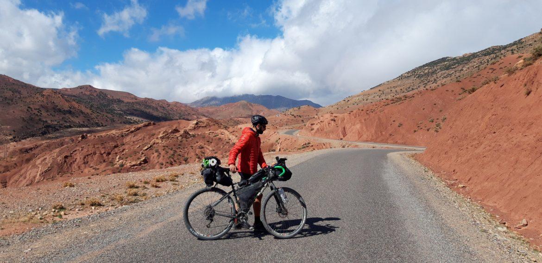 Io e la Fargonautilus durante un viaggio in Marocco nell'alto Atlante