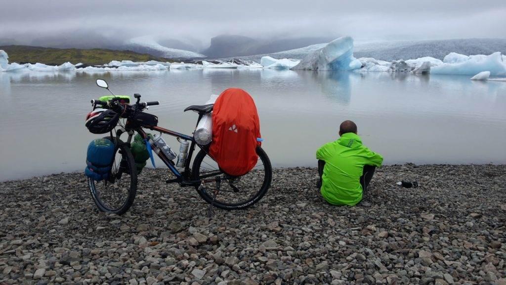 Nei pressi della laguna glaciale a Jökulsárlón