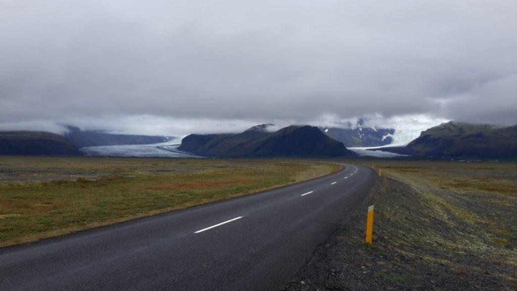 Le lingue di ghiaccio del Vatnajökull visibili dalla Ring Road